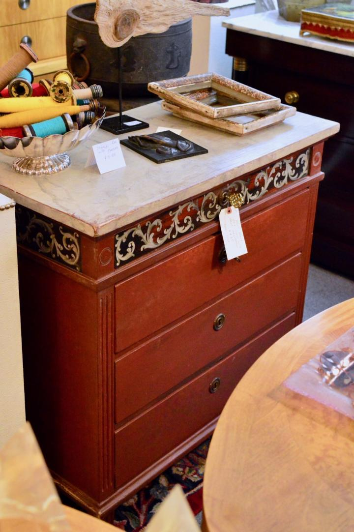 1860s early pine chest w/ paint decoration