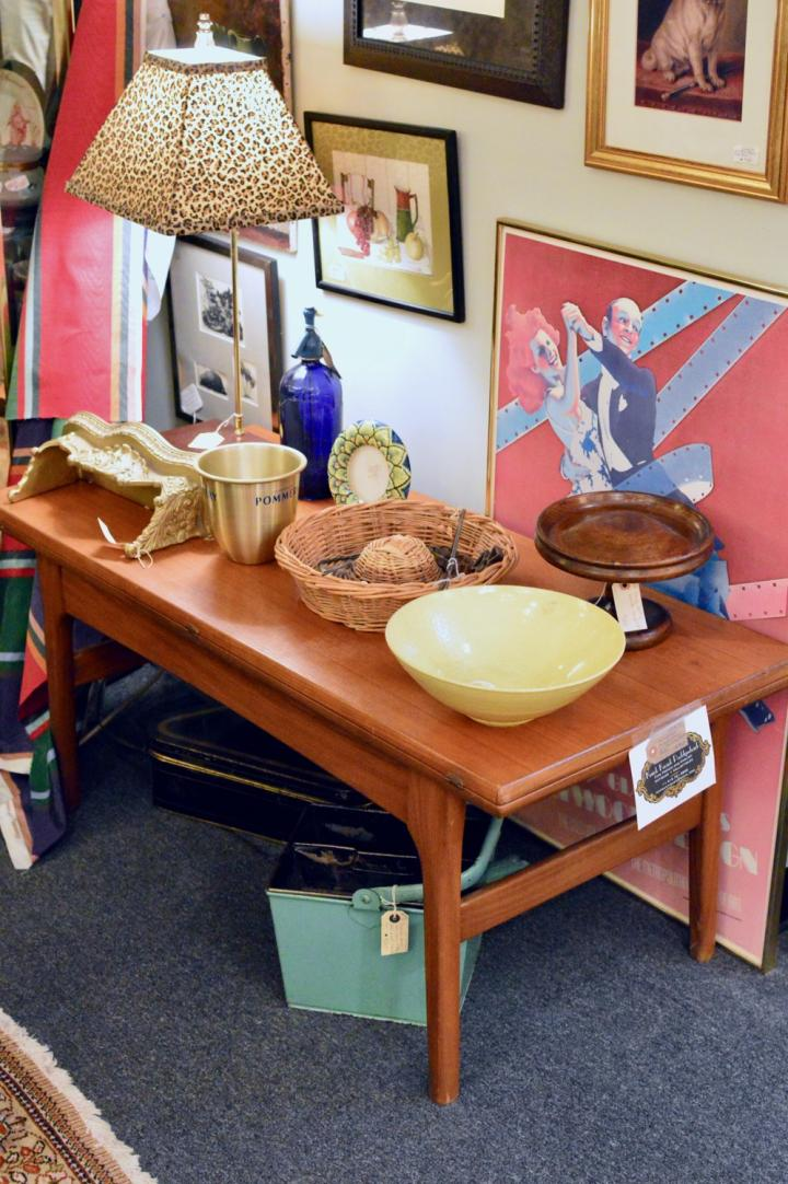 Mid century metamorphic dining room / coffee table