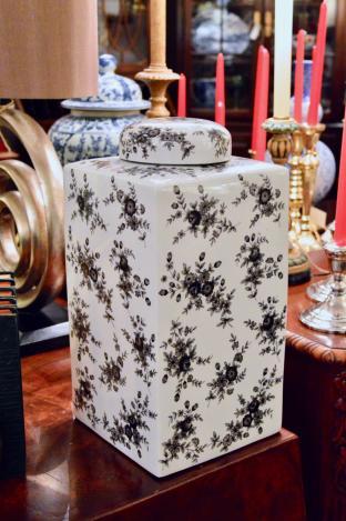 Black & white porcelain ginger jar by Chelsea House