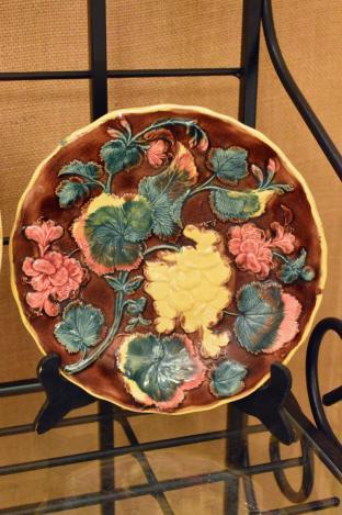 Majolica geranium plate