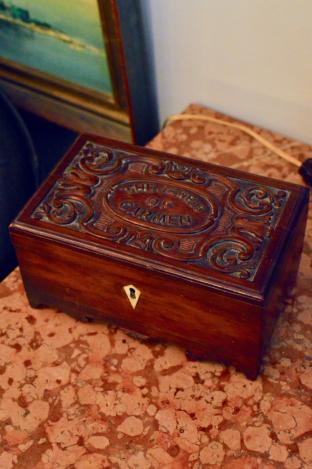 """Antique box - carved lid """"The jewels of Carmen"""""""