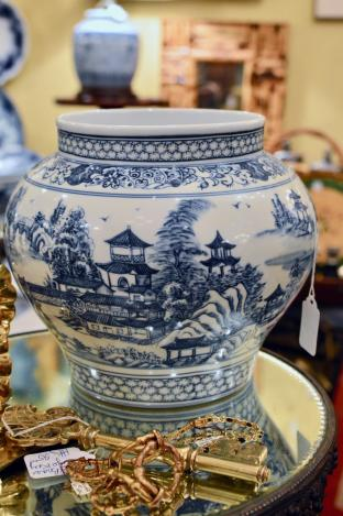 Chinese blue & white jar