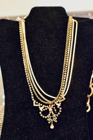 BCBG generation rhinestone necklace