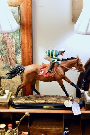 Istabraq horse statue