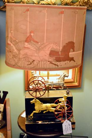 Nice lamp - trotting horses