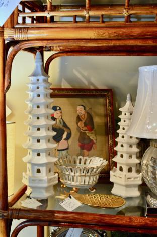 Set of 2 pagodas