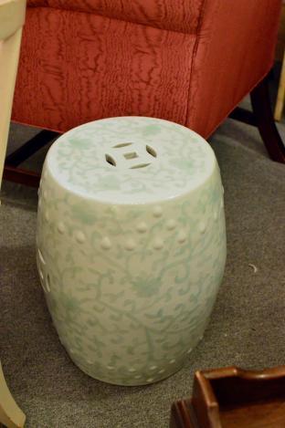 Chinese porcelain garden seat (1 of pair)