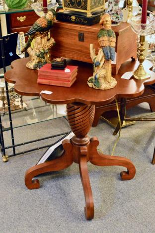 Cherry scalloped top table
