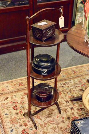 Late 19th/early 20th C English mahogany tiered cake stand