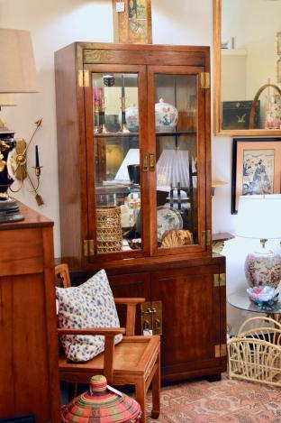 Mid century Henredon cabinet