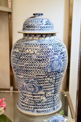 Blue & White large chain link jar