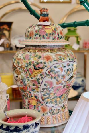 Large famille rose jar