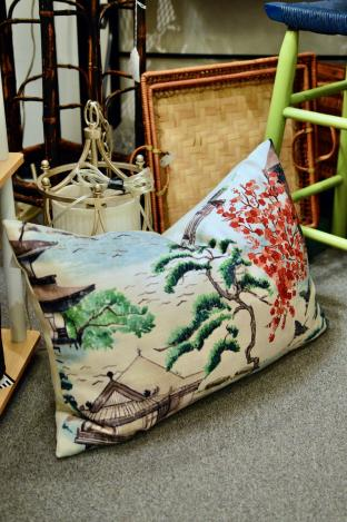 Oriental landscape pillow