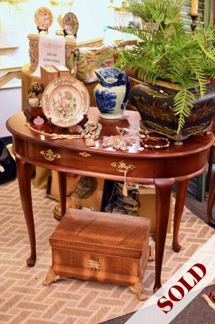 Oval cherry table