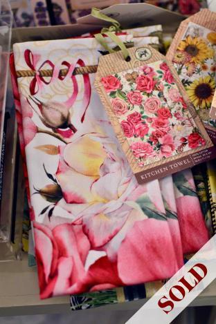 Royal rose dish towel