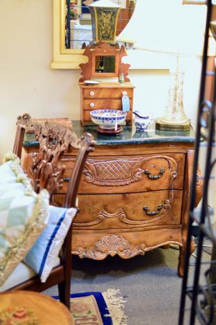 Beautiful French chest