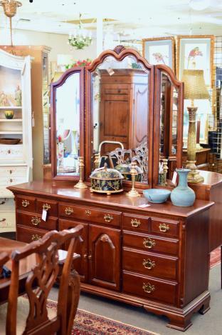Lexington cherry dresser w/ mirror