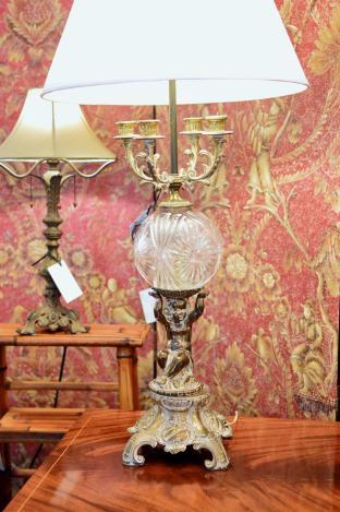 Cherub & crystal lamp