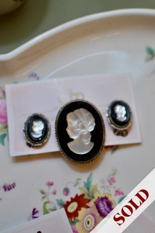 Vintage clip earrings & brooch