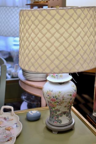 Pastel porcelain lamp - 1 of pair