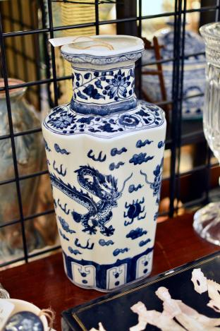 Blue & white dragon decorated vase
