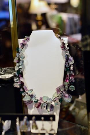 Fluorite gemstone wired necklace