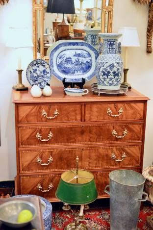 2 over 3 chest of drawers