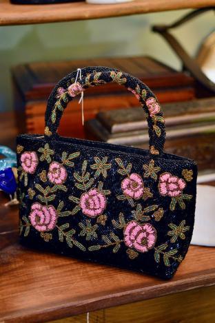 Black beaded purse w/ roses design