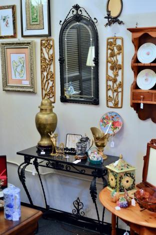 Antique cast iron console table & mirror set