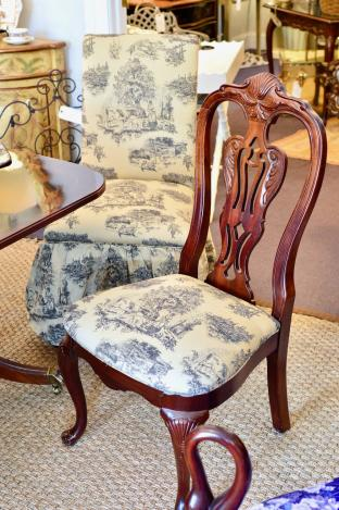 Four mahogany side chairs - 2 parsons chairs - runner & fabric